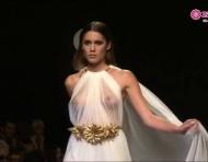 Desfile vestidos de noiva Rafael Urquizar 2013 na Cibeles Madrid Noivas