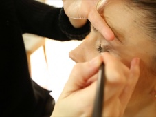 Tus ojos jamás habían quedado tan lindos… Descubre cómo maquillarlos con estos pasos efectivos [Video]