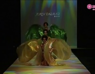 Desfile da coleco de vestidos de noiva Jordi Dalmau 2013: um show