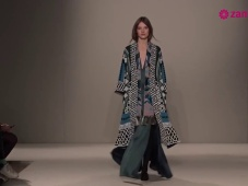 Desfile de Temperley London Otoño Invierno 2015/2016 [Video]