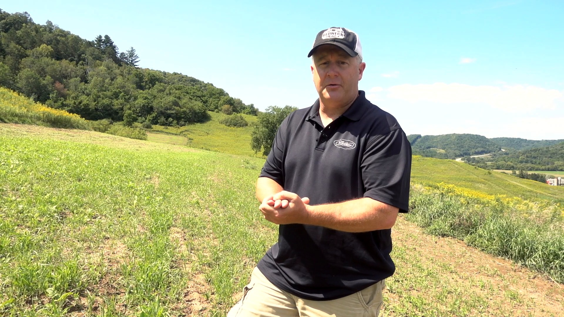 Whitetails By Design TV - Ep 02 - Hunting a Food Plot