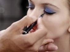 Aprende a lograr un maquillaje natural y con pop de color al estilo Dior [Video]