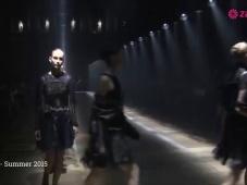 Lanvin SS2015: quando l'eccentricità è sinonimo di eleganza [Video]