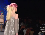 Desfile Anna Sui primavera 2013 na Mercedes Benz Fashion Week: feeling punk?