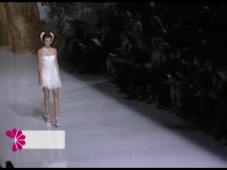 Vestidos de novia con plumas 2014 [Video]