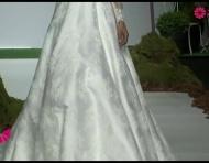 Los más bellos vestidos de novia con escote en V para 2014