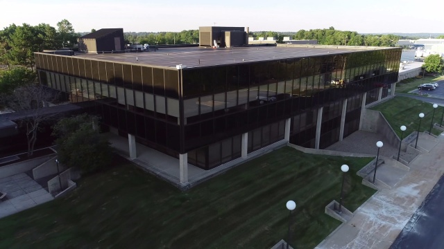1925 Enterprise Pkwy , Twinsburg: For Lease