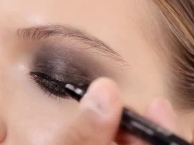 Видеоурок:  свадебный макияж Smokey Eyes в стиле Dior